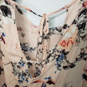 Buckle Tops - Buckle Daytrip Plus Size Floral Bell Sleeve Top